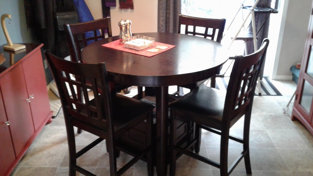 Kitchen table with 4 chairs 42 inch with 18 inch leaf for Dining room tables 120 inches
